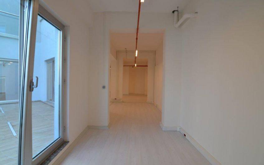 Sarıyer Maslak Ağaoğlu 1453 Sitesi Satılık 238 m2 Kullanışlı Ofis