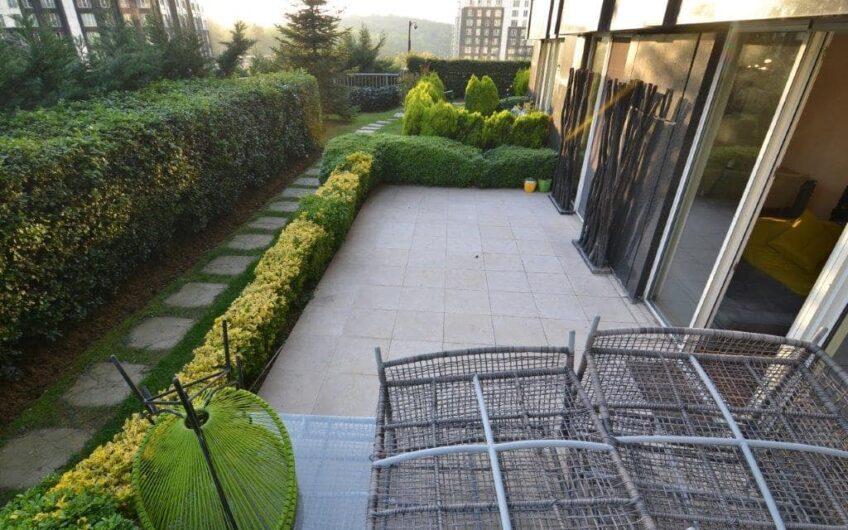 Maslak Mashattan 2+1 For Rent Garden Floor