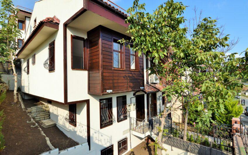 Ahikent Sitesi Satılık Dekorlu Sıfır Müstakil Villa 5+1
