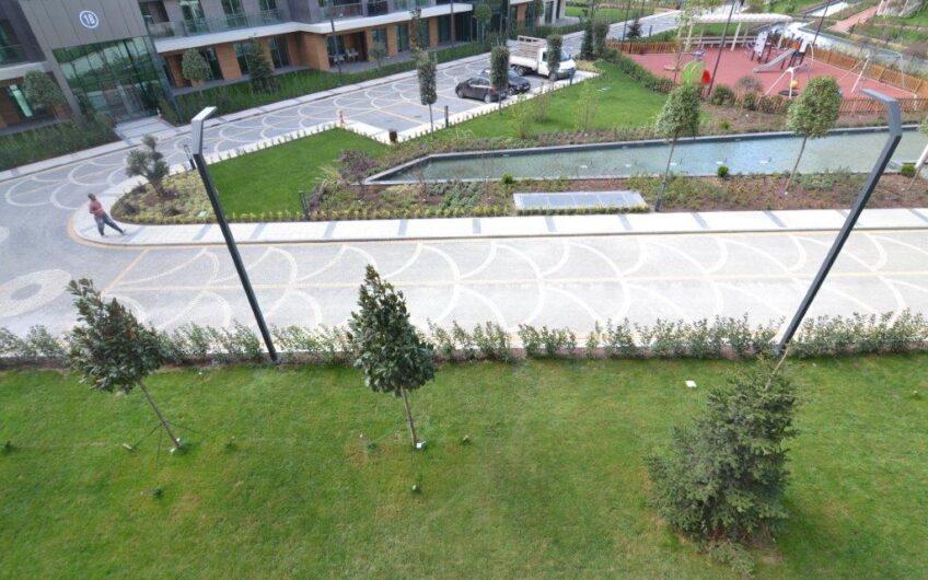 Sarıyer Vadistanbul sitesi kiralık 1+1 Siteiçi Manzaralı Alçak Kat Daire